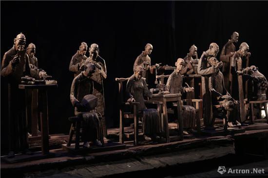 群雕《中华医学》乌木/48×67×146cm 2015年 中国国家博物馆收藏