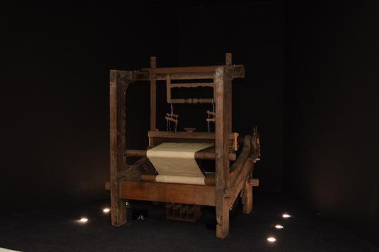 《音乐编织》,伍韶劲,互动装置,2005