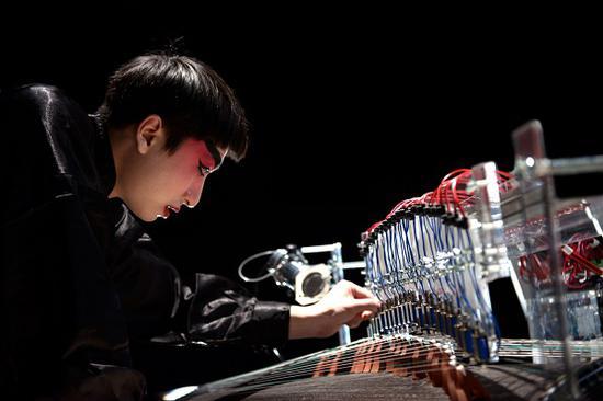《和鸣》,陈俊恺,行为表演和互动装置,2018