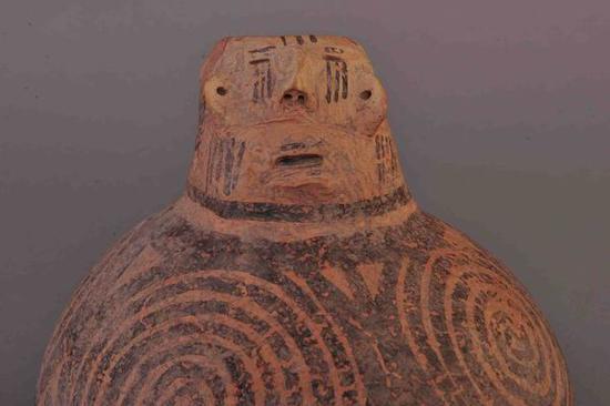 人头像彩陶壶 新石器时代 马厂类型 海东市乐都区柳湾遗址出土