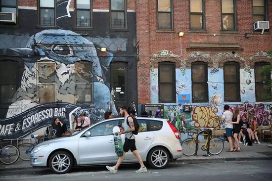 在现代城市中应怎么看待涂鸦呢