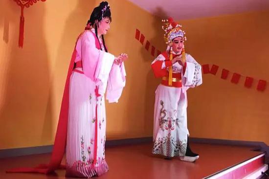 传统越剧演员蒋金铃、张小云《山河恋 送信》