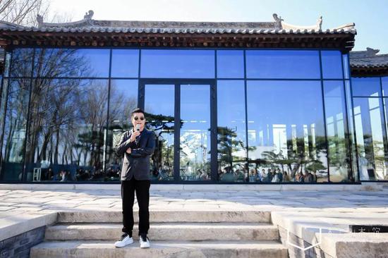松美术馆创始人王中军先生