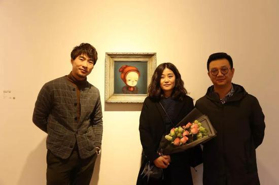 北极熊画廊馆长黄君辉、艺术家张静、策展人李裕君(左起)
