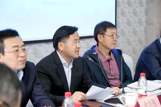 裕隆控股集团、中国集币在线董事长俞吉伟先生致辞