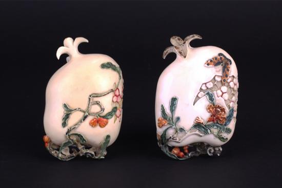象牙雕茜色蝴蝶纹石榴形盖盒 清末 东莞市博物馆藏