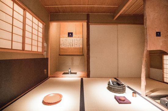 龙光院收藏的茶道具置于展厅内部的茶室?MIHOMUSEUM