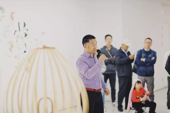 中国设计中心(伦敦)创始人?瞿铮先生发言中