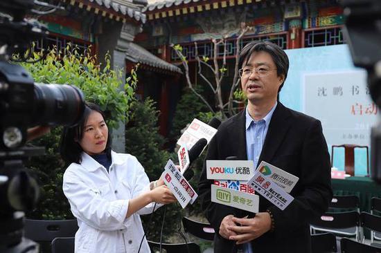 中国书法家协会理事、中华书画家杂志副社长、副总编辑 张公者先生接受采访