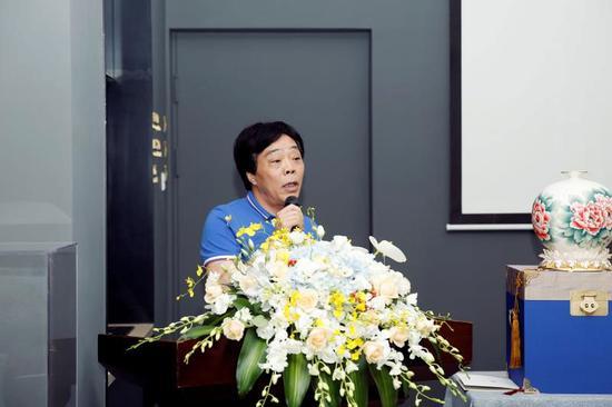 浙江省陶瓷行业协会理事长徐定昌先生致辞