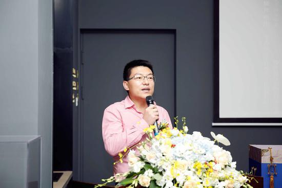 杭州中轩雅蒂文化创意有限公司董事长张圣暄先生