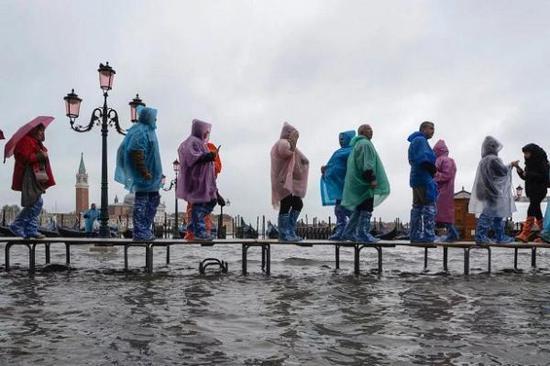 威尼斯双年展临时关停多处展馆 水城遭遇严重洪灾