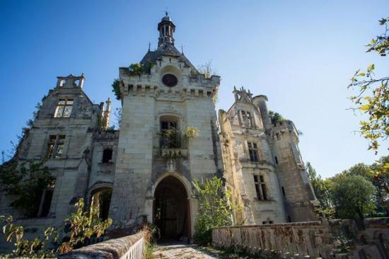法国古堡发起众筹模式 160万欧元领养13世纪古堡