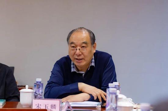 省美术家协会名誉主席、原省国画院长、原省美术馆馆长宋玉麟致辞