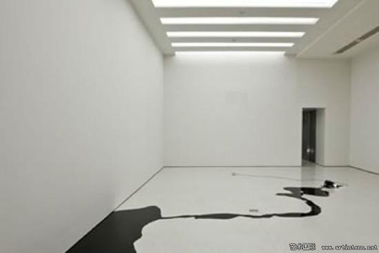 基蒂﹒克劳斯《无题》装置,纽约古根汉姆美术馆,2006年