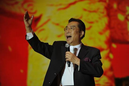 (著名男高音歌唱家李双江金曲重现:《北京颂歌》)