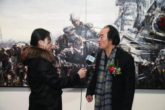 赵世杰先生接受记者采访