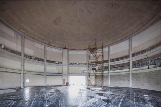 正在装修的油罐艺术中心展厅内部