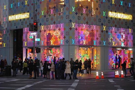 LV 纽约第五大道旗舰店,2008 年 11 月。摄影:Noel Y。 C。