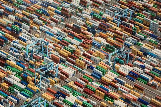 亚力克斯·麦克林《航运集装箱,朴茨茅斯》
