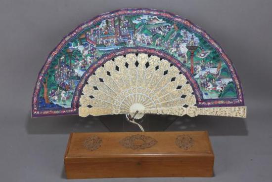 描金双面绘象牙贴面人物纹折扇(清)东莞市博物馆