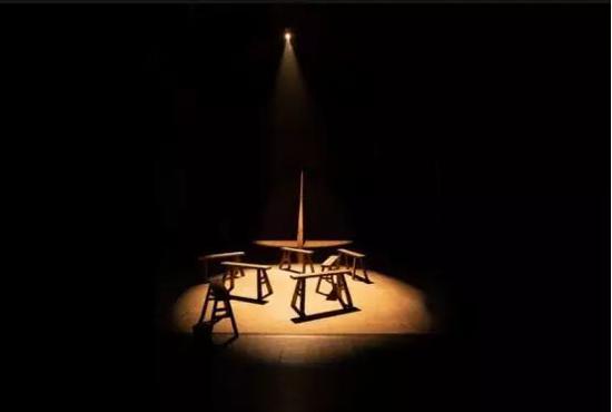 雅娜·文德伦的《隔骨传音:与鲤鱼一起聆听》