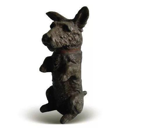 [清]锡铸型坐姿宠犬漆圈砚滴壶 高13厘米