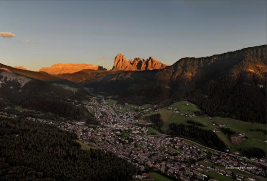 布鲁诺·瓦尔波特的家乡,意大利北部多洛迈特群山中的格勒登。
