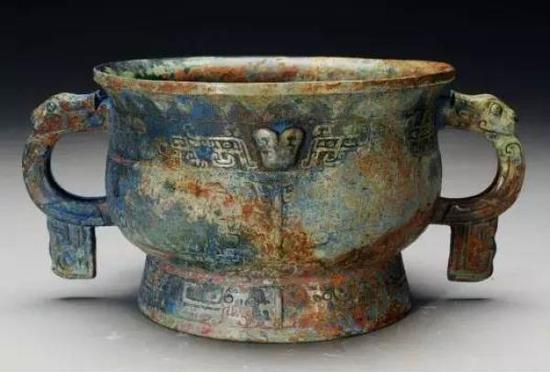 西周早期曾侯墓青铜器首次出境赴印展示