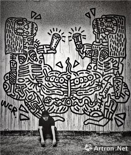 王晨睿INSTINCT FESTIVAL(全球电子音乐组织)创作现场大型空间涂鸦作品