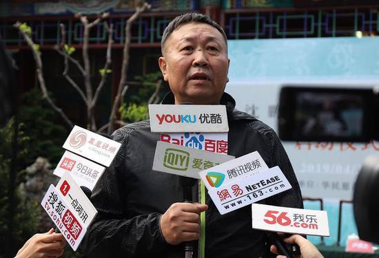 中国书法家协会理事、辽宁省书法家协会副主席 张世刚先生接受采访