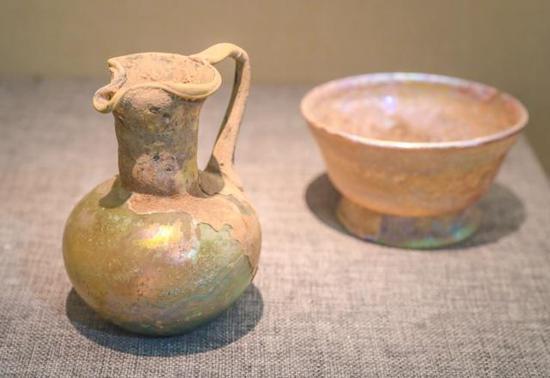 丝路琉璃壶与琉璃碗