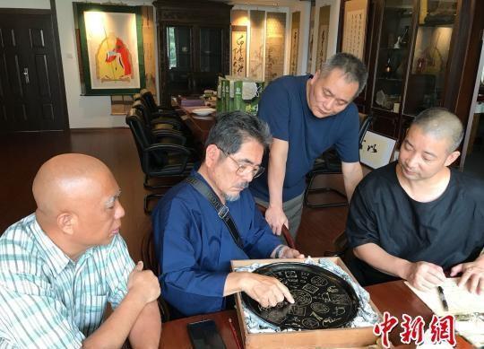 日本黄檗宗螺钿漆器珍品回流宗祖隐元家乡福建福清。 郑松波 摄
