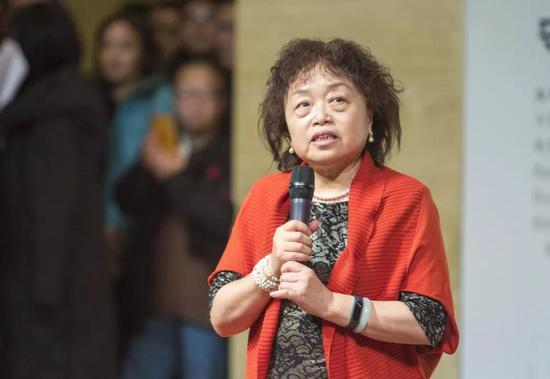中华人民共和国驻俄罗斯联邦特命全权大使李辉先生夫人史晓玲女士致辞