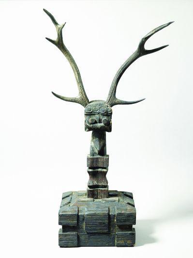 彩绘漆镇墓兽(漆器) 战国 上海博物馆藏