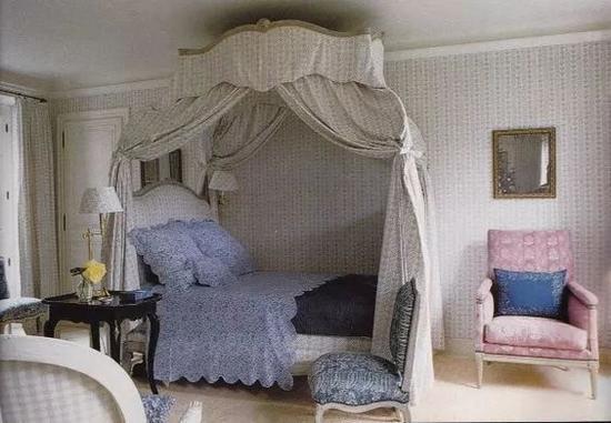 """铺着蓝色床品、清新可爱的""""Bunny""""房"""