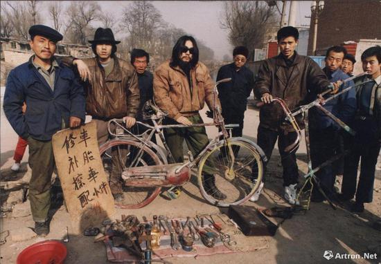 压碎自行车 摄影 1992年作