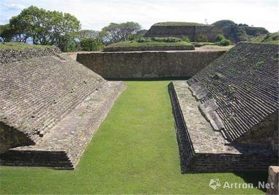 科潘遗址发现的球场(图片来源于网络)
