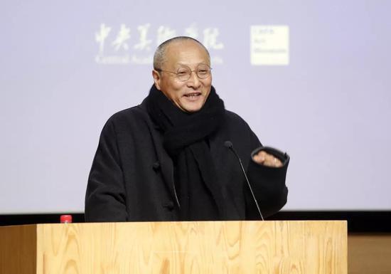 中国雕塑学会会长曾成钢致辞
