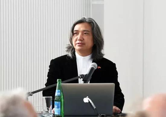 """吴为山馆长在特里尔应用科技大学做""""雕塑精神""""讲座"""