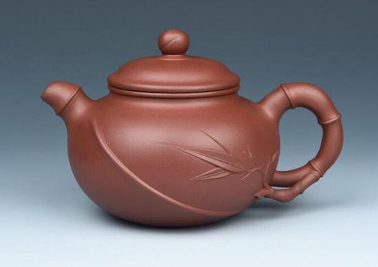 谈跃伟紫砂壶作品《情竹壶》