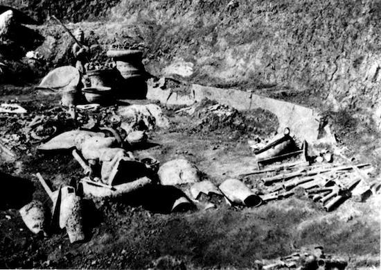 石寨山6号墓发掘现场