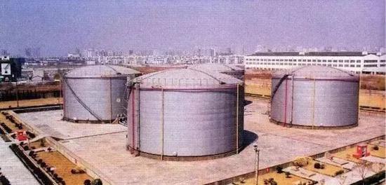 曾经的航油油罐