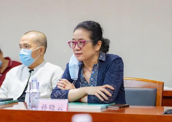 中国书法家协会副主席、省书法家协会主席、省美术馆名誉馆长孙晓云致辞
