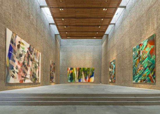 Katharina Grosse在K?nig Galerie画廊的展览,2015,图片:Roman M?rz