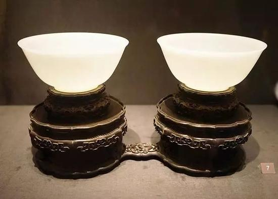 白玉对碗 明-清,16-18世纪