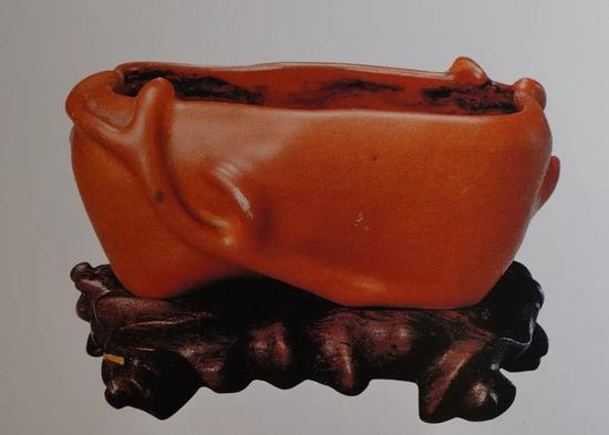 清中期 珊瑚釉柿子形水丞 清宫旧藏 口径7.8厘米 现藏于故宫博物院