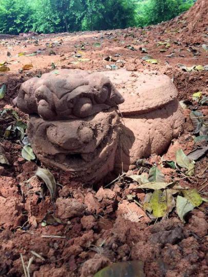 """泸州纳溪发现清代稀有""""狮头龟身""""柱础"""