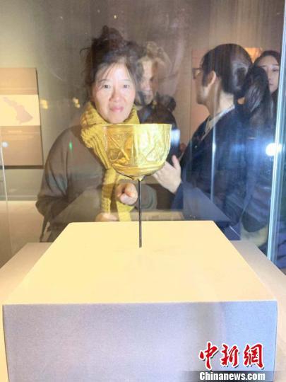 法罗尔丘地的几何纹金杯。 鲁毅 摄