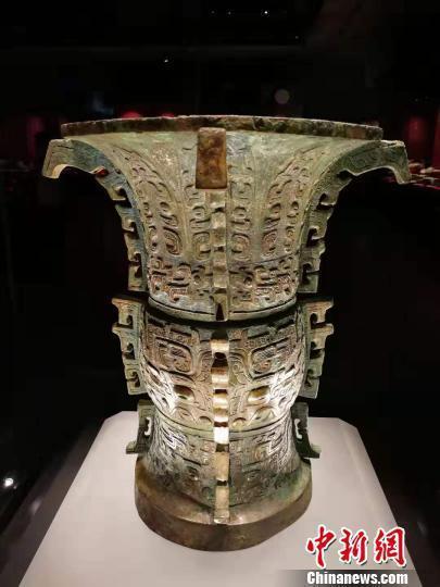 山西青铜器数量众多,种类繁杂,工艺领先。 杨杰英 摄